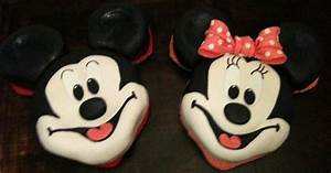 sugar: Mickey & Minnie Mouse Face Cakes