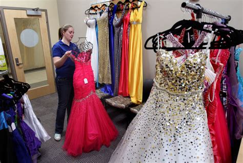 l shop near me uw l event lets students sell prom dresses local