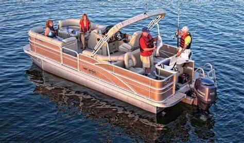 Best Pontoon Boats On The Market by 25 Best Ideas About Best Pontoon Boats On