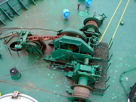 important points  ships mooring equipment maintenance