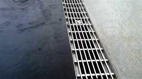 Entwässerung Terrasse Rinne by Entw 228 Sserung Birco Rinne Mit L 228 Ngsstababdeckung Aus