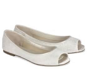 peep toe wedding shoes flat ivory wedding shoes with peep toe ipunya