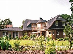 Fertighaus Mit Grundstück Kaufen : sch nes fertighaus mit walmdach preiswert kaufen ~ Lizthompson.info Haus und Dekorationen