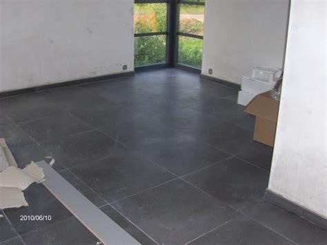 joint carrelage mural cuisine carrelage gris avec joint noir top carrelage with