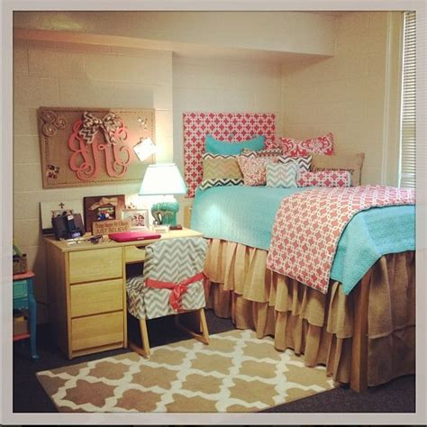 20 Dorm Rooms So Stylish You'll Wish They Were Yours Get