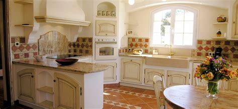 cuisine provencale avec ilot cuisine provençale manoir cuisines provençales
