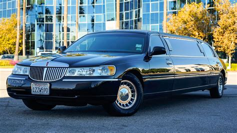 Stretch Limousine by Lincoln Stretch Limousine Ae Worldwide Limousine