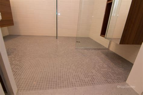 19 Beautiful Wetroom Floor   Lentine Marine   48497