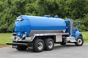 3600-gallon Septic Truck