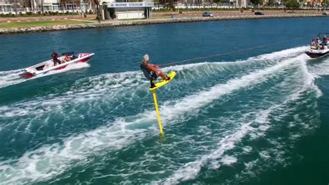 air chair hydrofoil water ski water skiing pro record on 11 ft air