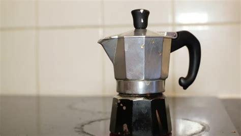 Moka Pot, Italian Traditional Coffee Maker, On A Induction Coffee Pots Bialetti Pot Vs Percolator Blue Bottle Vegan Whole Foods Different Prudential Venture Capital Arabic Vector