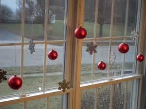 DIY Christmas Decorations Window Ideas