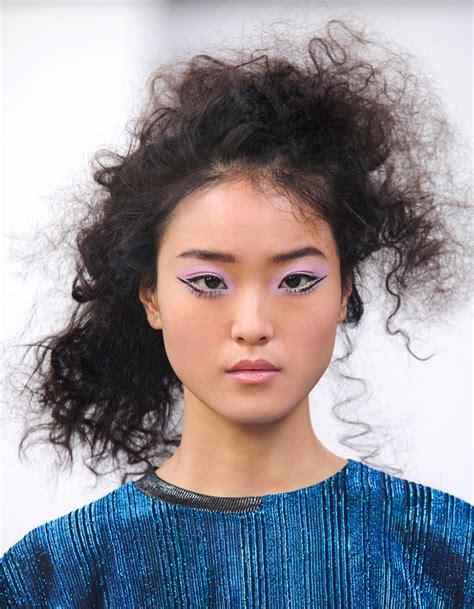 Coiffure Cheveux Boucles Ondules ~ Accueil Design et mobilier