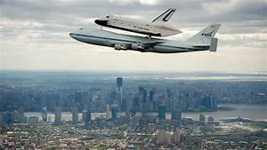 The Most Awesome Photos Of The Space Shuttle Over New York City | Gizmodo Australia