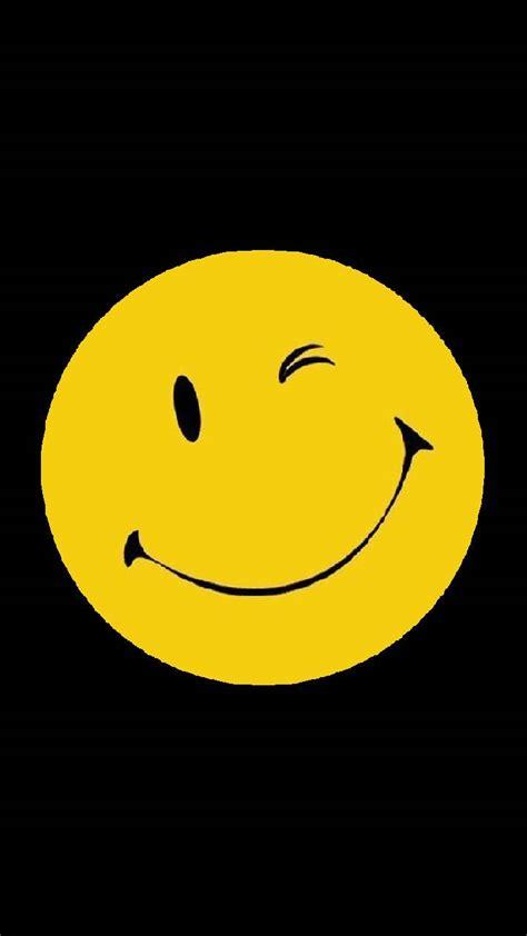 Smile emoji wallpaper by Nagwa_4776 - de - Free on ZEDGE™