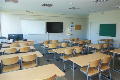 Daugavpilī divas izglītības iestādēs nosaka attālinātās ...