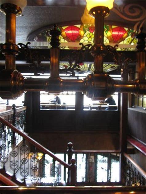 bureau valenciennes l 39 escalier qui mène au restaurant avec vue panoramique