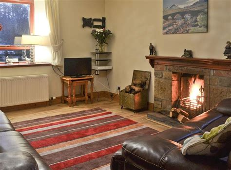 Foxhole Farm Cottage In Beauly, Inverness-shire Sleeps 7