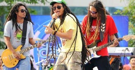 Kumpulan lagu dangdut reggae via vallen terbaru download mp3 lengkap hallo sobats setia, kembali lagi bersama gandamusik yang. Daftar 7 Band Reggae Indonesia Terbaik | Musik Populer