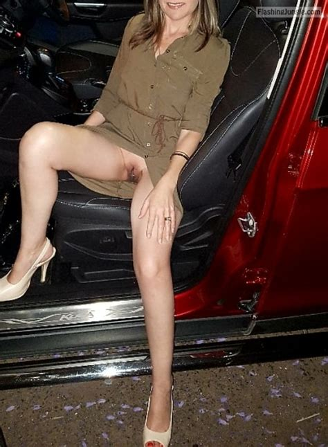 No Underwear Night Out Sitting In Car Bitch Flashing Pics Hotwife Pics Milf Flashing Pics
