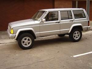 Jeep Cherokee A U00d1o 1987     4 800