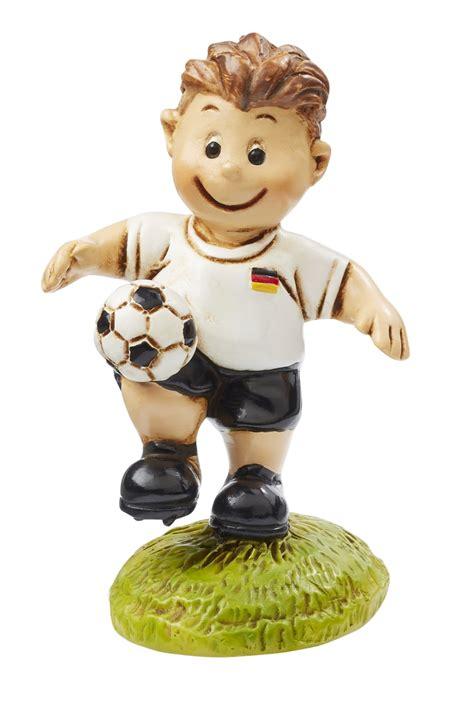 Es besteht ein ligasystem, an dessen spitze die 1963 gegründete bundesliga. Fußballer Deutschland I Nationalspieler Figur Dekofigur ...