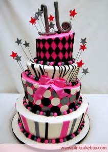 Sweet 16 Birthday Cakes for Girls