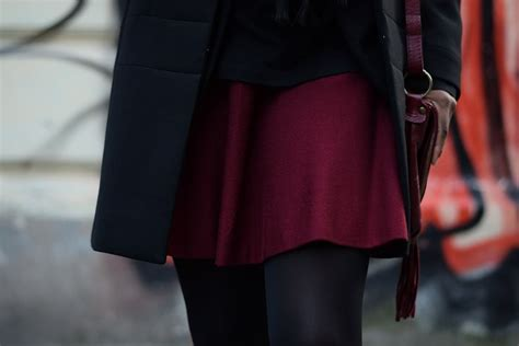 au bureau bordeaux porter une jupe patineuse bordeaux au bureau deadlines
