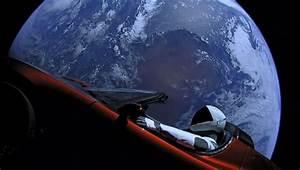 Tesla Dans Lespace : cette tesla est la premi re voiture de s rie dans l 39 espace propuls e par la fus e falcon heavy ~ Nature-et-papiers.com Idées de Décoration