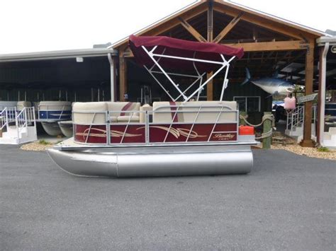 Mini Pontoon Boats For Sale In Florida by Bluewater Boats Boat Dealer In Florida For Bentley Pontoon