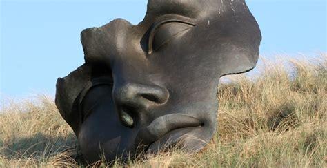 modern sculpture   fun