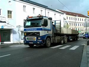 Route Berechnen Lkw Kostenlos : ein volvo lkw aus sterreich steht am auf einem parkplatz in bergen r gen ~ Themetempest.com Abrechnung