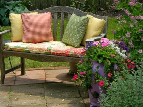 coussin pour chaise salon de jardin coussin pour exterieur jardin maison design bahbe com