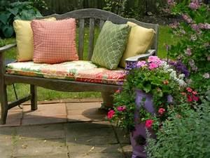 Coussin Pour Banc De Jardin : le coussin pour chaise du jardin ~ Melissatoandfro.com Idées de Décoration
