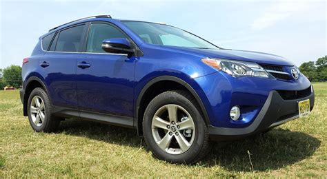 2015 Toyota Rav4 Reviews by Review 2015 Toyota Rav4 Xle Awd Driving Towards The