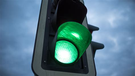 light green light driving around what are fresh lights and stale traffic