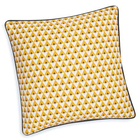 housse de coussin en coton jaune    cm hilton maisons du monde