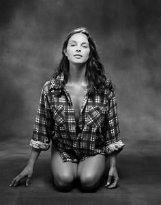 VERY HOT PICS: Ashley Judd