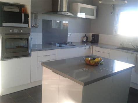 deco cuisine gris et blanc cuisine gris blanc photo 1 6 cuisine ouverte