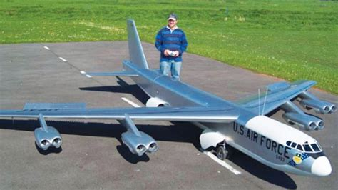 Maiden Flight Of Gigantic Rc B52but Now They Have To
