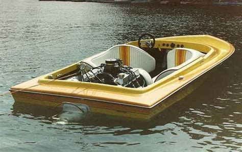 Bubble Deck Jet Boat by Hallett Mitula Cars