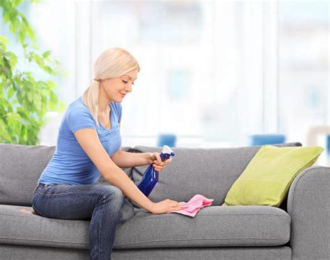Flecken Auf Dem Sofa Entfernen by Flecken Aus Dem Sofa Entfernen 187 Diese Mittel Wirken Effektiv