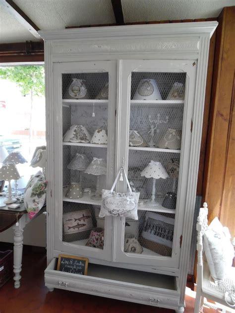 meuble cuisine shabby chic les 25 meilleures idées de la catégorie armoires avec