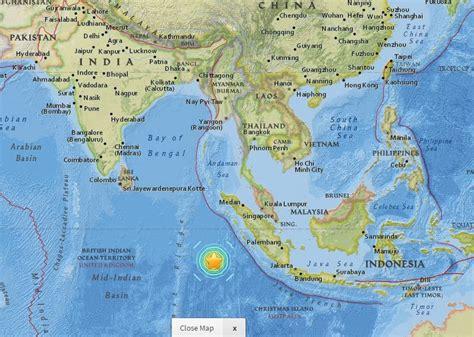 indonesia issues tsunami warning  massive