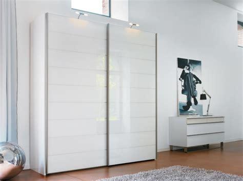 armoire suspendue chambre meuble bas chambre meuble bas tv couleur taupe meuble tv