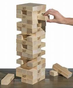 Giant Jenga: Oversized block stacking party game