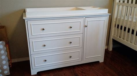 Dresser Change Table - white changing table dresser diy projects