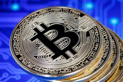 One of the stories that illustrate this growth best is that of two pizzas, which were bought for 10,000 bitcoins, on may 22, 2010, by a florida developer by the name of laszlo. Bitcoin Prices Rise To Highest Since October - Business Quick Magazine