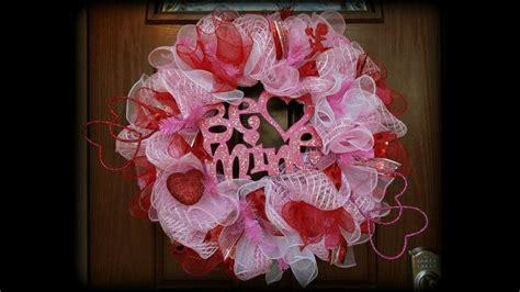 YouTube Deco Mesh Wreath