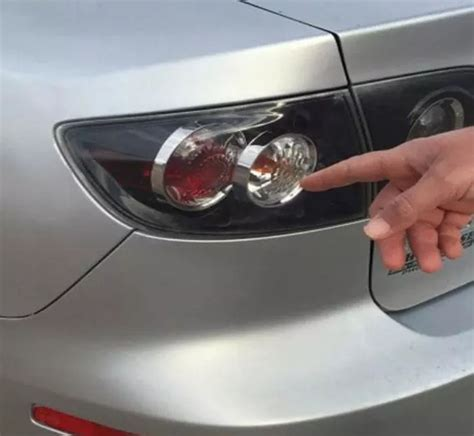 Why Do Police Officers Tap Your Tail Lights When You Get